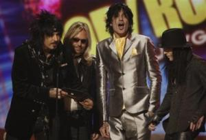3835140890-motley-crue-presents-award-american-music-awards-los-angeles-sunday3