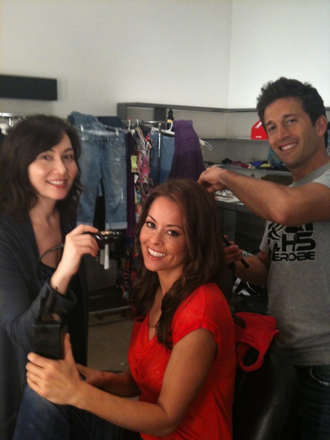 Brooke Burke's makeup artist, Marylin Lee, used the TEMPTU AIRbrush Makeup